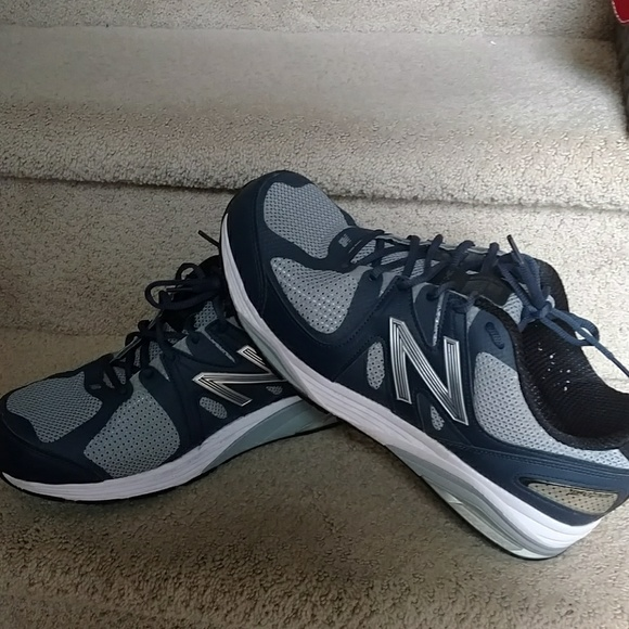 new balance trainers men size 10